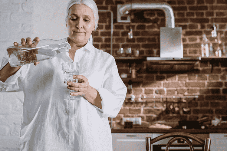 How to Naturally Filter Toxins from Drinking Water